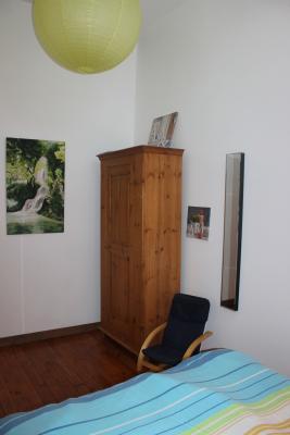 Chambre de l'étage, Lit 140
